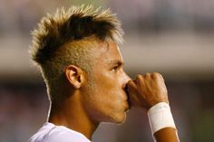 29 Der Besten Neymar Frisuren 2018 Neueste Frisuren 2018 Neymar Frisur Frisuren 2014 Frisuren
