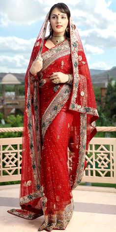 Perfect Bridal Look Dupatta Saree