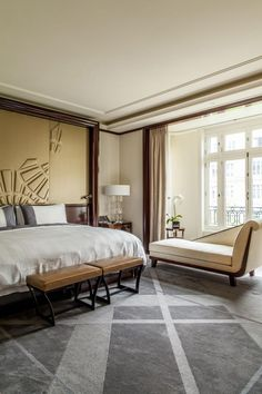Spanish Home Interior Pure sophistication and unique design: get impressed by these bedroom decor ideas! Home Interior Pure sophistication and unique design: get impressed by these bedroom decor ideas! Romantic Home Decor, Unique Home Decor, Cheap Home Decor, Modern Minimalist Bedroom, Contemporary Bedroom, Top Interior Designers, Home Interior Design, Interior Blogs, Living Room Decor