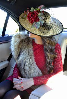 Best Wedding Hairstyles With Headband Fascinator Hats, Fascinators, Headpieces, Pillbox Hat, Stylish Hats, Best Wedding Hairstyles, Love Hat, Derby Hats, Glamour