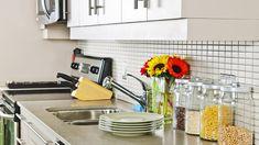 Mẹo giữ an toàn thực phẩm cho nhà bếp trong những ngày giãn cách Natural Stone Countertops, Soapstone Countertops, Kitchen Countertops, Kitchen Cabinets, Kitchen Cupboard, Storage Cabinets, Small Kitchen Ideas On A Budget, Kitchen Layout Plans, Apartment Cleaning