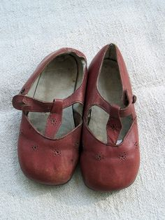 anca gray: vintage red child's t-strap shoe