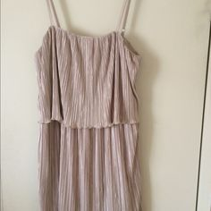 Forever 21 dress Forever 21 dress, only wore once, excellent condition. Forever 21 Dresses