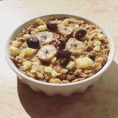 Gyümölcsös zabkása Fitt, Oatmeal, Paleo, Food And Drink, Sweets, Healthy Recipes, Baking, Breakfast, Foods