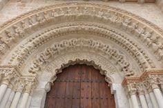 Entrada a la #Colegiata de #Toro. Una magnífica construcción del #románico del Duero. http://destinocastillayleon.es/index/visita-toro/