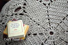 Giant doily rug. Free crochet pattern.
