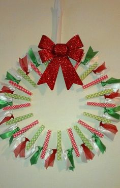 Clothes pin wreath with ribbon for Christmas Cards Wreath Crafts, Holiday Crafts, Clothespin Crafts, Snowman Crafts, Christmas Craft Fair, Christmas Decorations, Christmas Ornaments, Homemade Christmas Gifts, Homemade Crafts