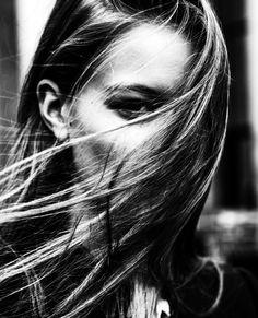 Louise by Jurij Treskow