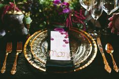 elegant gold wire place card