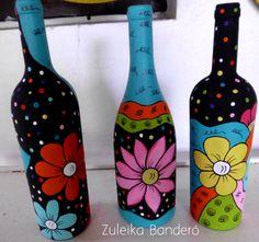 Resultado de imagen para how to fabric decoupage wine bottle Glass Bottle Crafts, Wine Bottle Art, Painted Wine Bottles, Wine Bottle Images, Painted Jars, Diy Bottle, Painted Wine Glasses, Decorated Bottles, Jar Art