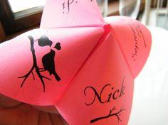 fun wedding decor idea: Cootie Catchers-Wedding MENUS