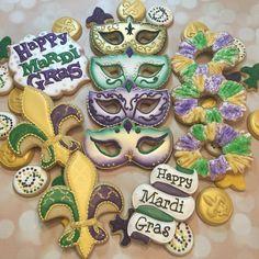 "174 Likes, 20 Comments - Barb Poirrier (@cajunhomesweets) on Instagram: ""Mardi Gras set 1 #customcookies #customdecoratedcookies #sugardecoratedcookies…"""