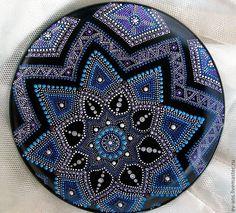 Тарелка декоративная - декоративная тарелка, точечная роспись, оригинальный подарок, декор для интерьера / Decorative plate with a handmade painting