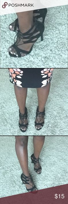 Strappy black heels Strappy black heels sturdy. Stap strings are worn but can still tie. Cute heels great price. Steve Madden Shoes Heels