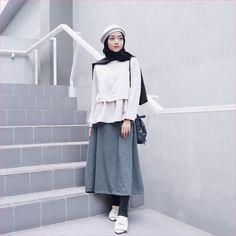 New Short Hair Women Outfit Casual Ideas Hajib Fashion, Modern Hijab Fashion, Street Hijab Fashion, Hijab Fashion Inspiration, Korean Girl Fashion, Muslim Fashion, Fashion Outfits, Hijab Fashion Style, Casual Hijab Outfit