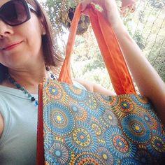 Gente, olha a #bolsa #ecobag #totebag que comprei da Roberta @77_roberta Estou com #alergia às sacolas plásticas. Saindo para comprar folhas da #salada, temperos frescos e #frutas #saude #comida #comidadeverdade