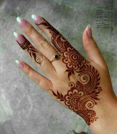 Henna Designs Arm, Pretty Henna Designs, Full Mehndi Designs, Henna Tattoo Designs Simple, Latest Arabic Mehndi Designs, Floral Henna Designs, Latest Bridal Mehndi Designs, Finger Henna Designs, Mehndi Designs For Beginners