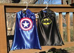 REVERSIBLE SUPER HERO CAPES