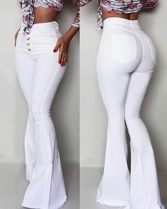 Waist Jeans curves Show off your curves in these perfect fitting high waisted flare jeans! Show off your curves in these perfect fitting high waisted flare jeans! Kick Flare Jeans, White Flare Pants, Trend Fashion, Fashion Pants, Fashion Outfits, Womens Fashion, Bodycon Fashion, Fashion Top, Fashion Sandals