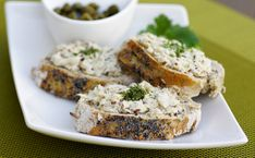 9 idées avec une boîte de sardines  #sardines #poisson #recettesdelamer #tartines #snack #entrée #recettesimple #recettefacile Anchovy Recipes, Salmon Burgers, Lunch Recipes, Tapas, Banana Bread, Food And Drink, Yummy Food, Snacks, Toast