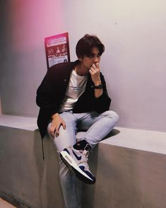 Bright Wallpaper, Paper Wallpaper, Bright Pictures, Cute Actors, Asian Actors, Asian Boys, Handsome Boys, Boyfriend Material, Pretty Boys