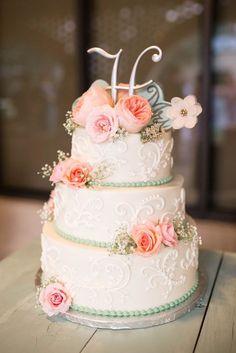Wedding cake idea; Featured Photographer: Audrey Rose Photography