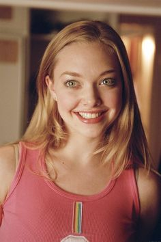 Amanda Seyfried - Added to Beauty Eternal - A collection of the most beautiful women. Amanda Seyfried Mean Girl, Karen Smith, Jenifer Lawrence, Actrices Hollywood, Brown Blonde Hair, Actors, Girl Crushes, My Hair, It Cast