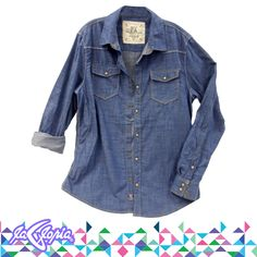 Si buscas combinar la #Camisa #Denim con jeans, que el color de éstos sea más oscuro ;) #Caballeros 2do.Piso