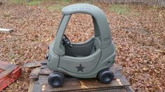 Army jeep - little tikes makeover Little Tikes Makeover, Cozy Coupe Makeover, Mermaid Crafts, Bay And Bay, Furniture Restoration, Hot Wheels, Jeep, Army, Diy Crafts