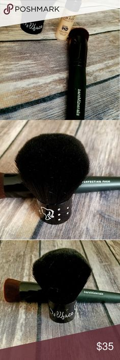 """Make up brush lot/ bundle DOLLFACE KABUKI BRUSH,BARE MINERALS PERFECTING FOUNDATION FACE BRUSH AND A DELUXE SAMPLE OF MAKE UP FOR EVER """"ULTRA HD"""" INVISIBLE COVER FOUNDATION TO USE WITH YOUR NEW BRUSH😊NWOT NEVER USED OR TESTED ON ANYTHING 100%REAL NON~🚭 SMOKING HOUSE 🚭 please ask all questions before purchase bundle to save thank you for browsing my CLOSET $MSRP~ TOTAL ~71$ bare minerals~dollface kabuki Makeup Brushes & Tools"""