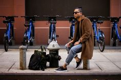 Fashion & lifestyle blogger, Denny, in the Forlano by Creative Recreation.