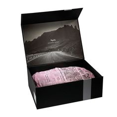 Progress Packaging worked with Rapha and their designers at Irving & Co to develop the packaging for Rapha's Grand Tour Shoes.