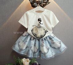 ชุดเสื้อ+กระโปรงเด็กลาย Girl 100 110 120 130 140 ~ 359.00 บาท >>