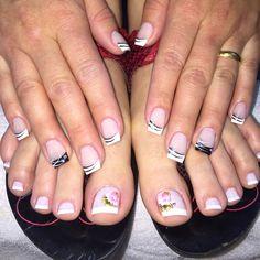 Week nail