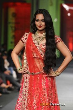 Day 2 of the third edition of Aamby Valley 2012 India Bridal Fashion Week had designer Jyotsna Tiwari's collections in display. Bollywood's hot and happening actress Sonakshi Sinha was the show stopper for designer Jyotsna Tiwari.
