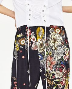 Image 4 of T-SHIRT WITH FRONT CORSET from Zara