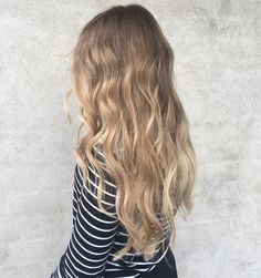 Long Hair Styles, Instagram Posts, Beauty, Color, Long Hairstyle, Colour, Long Haircuts, Long Hair Cuts, Beauty Illustration