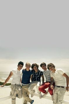 There are people with thousands of pinned one direction pictures :O that's crazy :) One Direction 2014, One Direction Cartoons, One Direction Louis, One Direction Facts, Direction Quotes, One Direction Imagines, One Direction Pictures, 1d Imagines, Zayn Malik