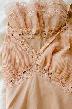 #vintage #blush #lingerie #wedding #bride #night