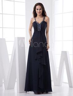 Vestido de noche de color morado de gasa con escote en V ajustado hasta el suelo