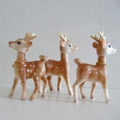 3 Christmas Reindeer Vintage Cute