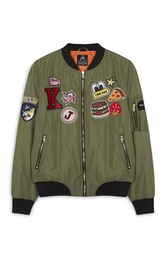 Primark - Cazadora bomber caqui con insignias Fashion Mode, Teen Fashion, Korean Fashion, Fashion Outfits, Jugend Mode Outfits, Cute Jackets, Cute Casual Outfits, Sweater Jacket, Sweatshirts