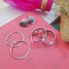 Te gusta lo diferente y especial porque así eres tú. Accesorios en acero, candongas y aretes plateados. Envíanos un mensaje directo y pide… Hoop Earrings, Bracelets, Jewelry, Steel, Stud Earrings, Bangles, Jewellery Making, Arm Bracelets, Jewelery