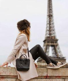 """If the Tour Eiffel is the sign of Paris, the Cathédrale de Notre-Dame de Paris is its heart. Sitting on the banks of the Seine, this marvelous architectural work of art is a guaranteed """"must-see"""". Paris Winter, Paris 3, Foto Paris, Montmartre Paris, Tour Eiffel, Paris Outfits, Winter Outfits, Paris Photography, Travel Photography"""