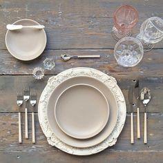 Antique White Florentine Chargers + French Grey Heath Ceramics + Birch Flatware + Pink Goblet/Cut Crystal/Champagne Coupes + Antique Crystal Salt Cellars | Casa de Perrin Design Presentation