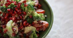 Normalt plejer jeg ikke at være så vild med broccoli, men her på det sidste er jeg blevet ret vild med broccolisalat. Denne her er en af d...