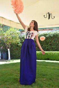 Falda azul Maxi fashion designer diseño de modas