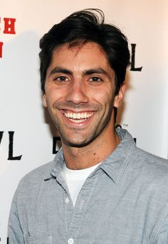 Nev Shulman. Director and editor of MTV catfish and of course catfish the movie which was nevs documentary .this man is a Rembrandt !love him!