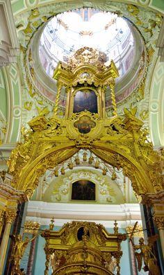 Iconostase de la cathédrale Saint-Pierre-et-Saint-Paul, Île aux Lièvres, Saint-Pétersbourg, Russie.