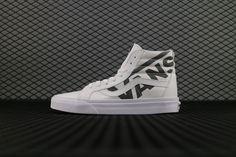 956704e00185b0 Vans x Peanuts Old Skool Classic Low Core Black Sewn White Shoe Vans For  Sale  Vans